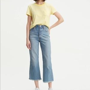 Brand New with tag Levi's Ribcage cropped Flare